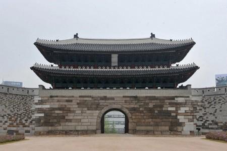 復元された現在の国宝1号 南大門(崇礼門 )