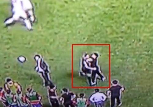 ブラジルWCアジア予選\韓国代表スタッフ数人がイラン選手を殴る暴行 ネットの声「FIFAに通報しろ」\img_1141145_37902703_20イラン選手が韓国人陣営に近付いてしまったその瞬間事件が発生!数人の韓国人スタッフ