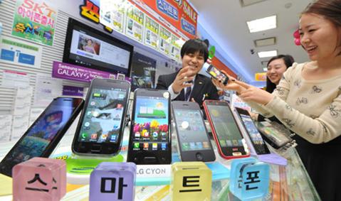 Galaxy S4、地元韓国で販売不振。販売台数はS IIIの半分未満に