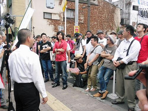 新大久保、鈴木信行(維新政党新風)街宣、しばき隊20137014