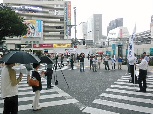 鈴木信行(維新政党・新風)街宣20130707新宿東口、