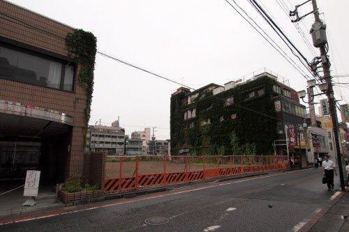 パチンコ店が出店を予定していた東京都国分寺市の国分寺駅北口。再開発事業の対象区域となっている