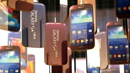 サムスンを代表するスマートフォン「ギャラクシーS4」だが、日本市場では苦戦を強いられた(AP)