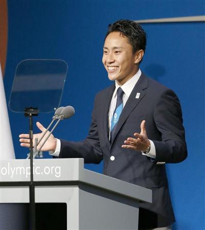 IOC総会で、東京のプレゼンテーションをするフェンシングの太田雄貴選手=7日、ブエノスアイレス(共同)