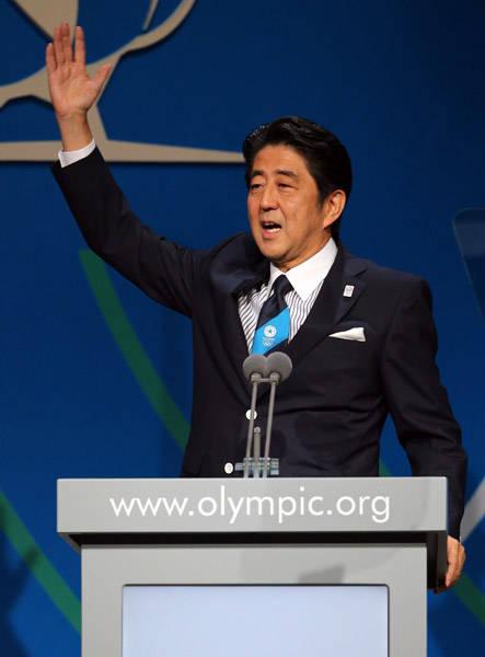 東京電力福島第1原発の汚染水漏れ問題への懸念について「東京には決して被害はありません」と強調した安倍首相=7日、ブエノスアイレス