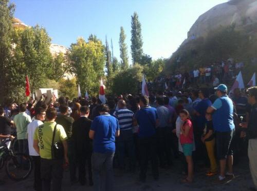 トルコ追悼式カッパドキアで殺害された栗原舞さんの追悼式に大勢のトルコ人が参列