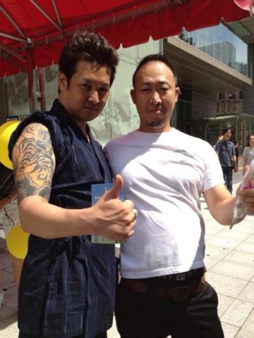 暴行などの疑いで逮捕された添田充啓容疑者(40)と木本拓史容疑者(42)