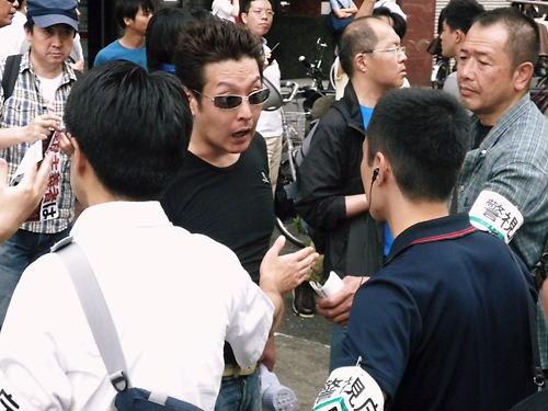 【在日外国人犯罪追放デモ in 新大久保】(平成25年6月30日)