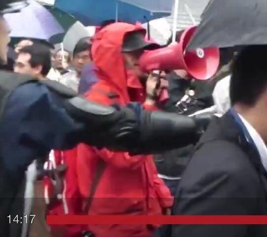 コカングリグリマンはこいつですか?.Lew2TIn10月5日秋葉原のデモを見てたらしばき隊に絡まれた・やばすぎるほどチョン顔だろ