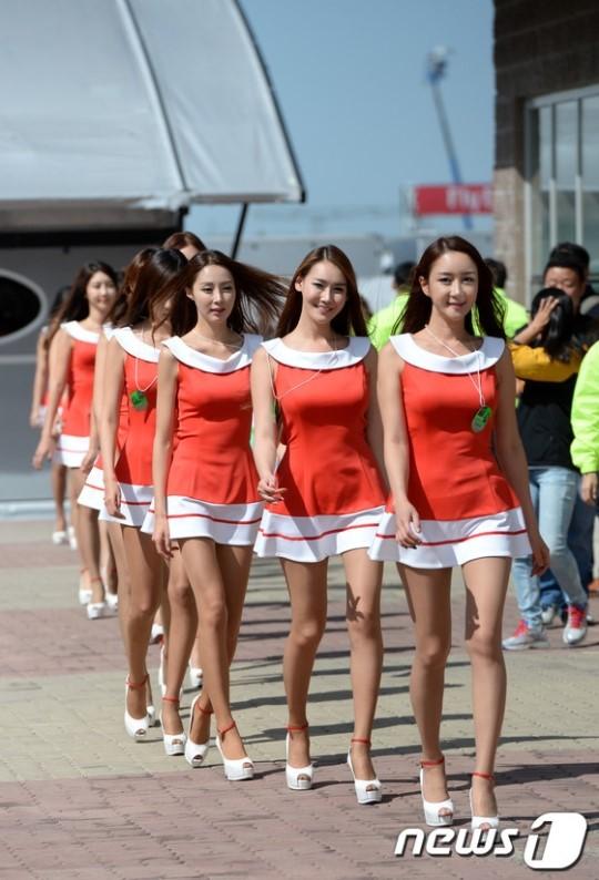 20131005123607F1韓国グランプリの美人コンパニオン 2013