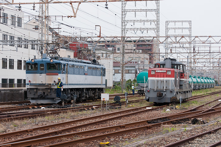 鶴見線4_安善駅米軍ジェット燃料輸送列車