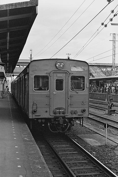 八高線_拝島駅_キハ35