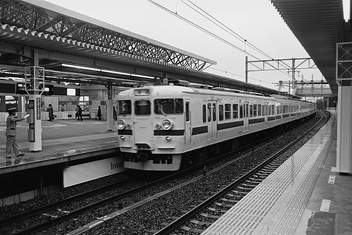 19850314万博中央駅_常磐線_01