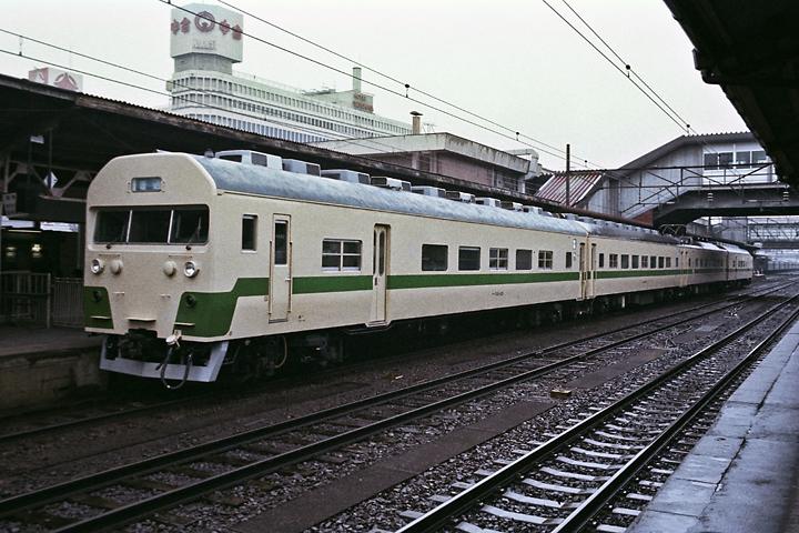 600319東北本線715系_福島駅1