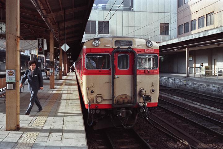 600320東北本線_仙台駅_キハ58系急行もがみ1号
