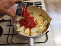 鯖缶とジャガイモのトマト煮30