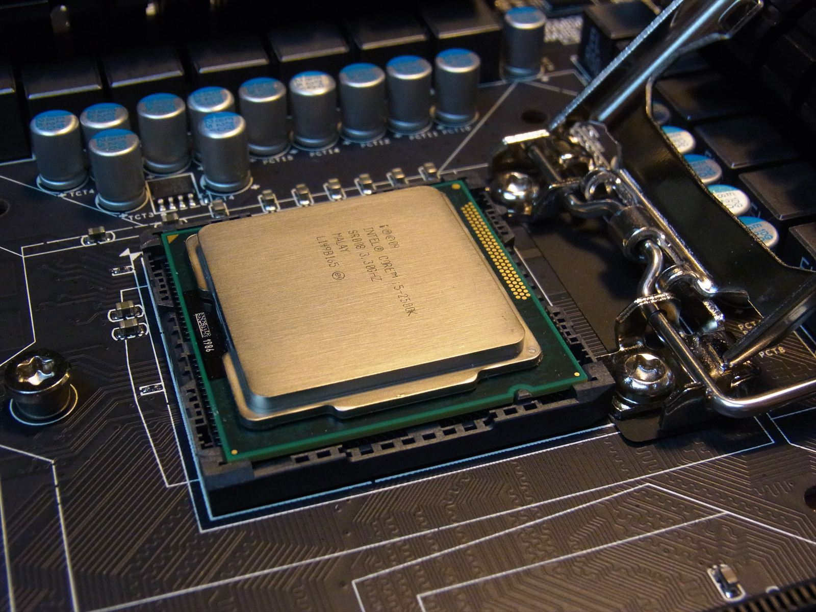 BIOSTAR TZ77XE4 Core i5-2500Kアップ画像
