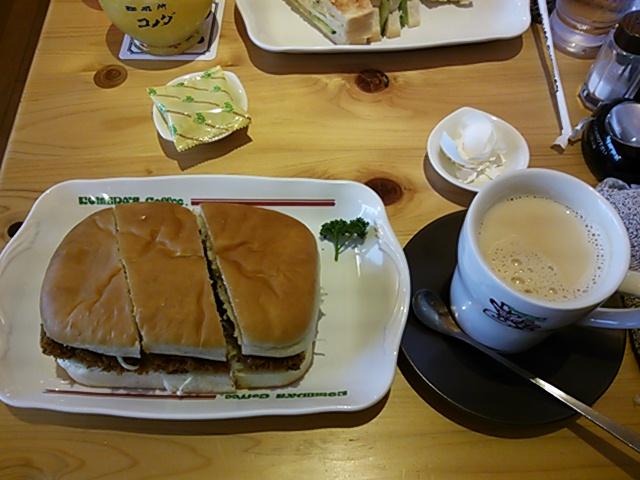 味噌カツサンド・ミルクコーヒー