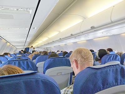 バルセロナからアムステルダムに向かう機内の様子