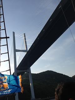 女神大橋通過
