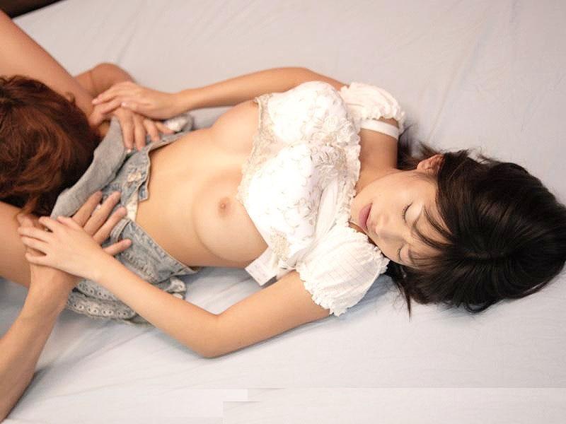 【クンニ画像】クリトリスを集中的に舐めると女はこんな顔になる img018