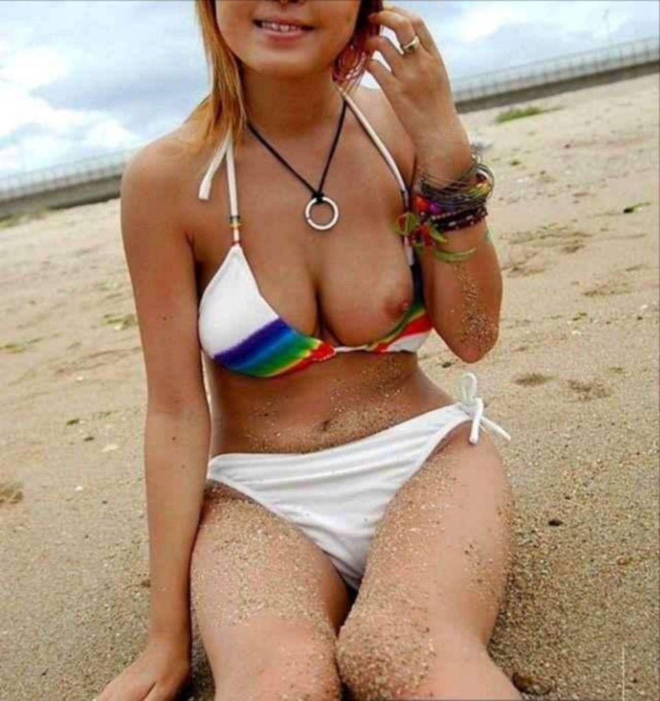 【画像62枚】乳首ポロリを激写したこの盗撮画像がヤバいwwww img051