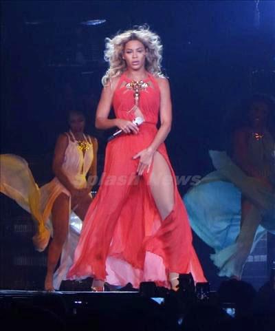 Beyoncé_131229_01
