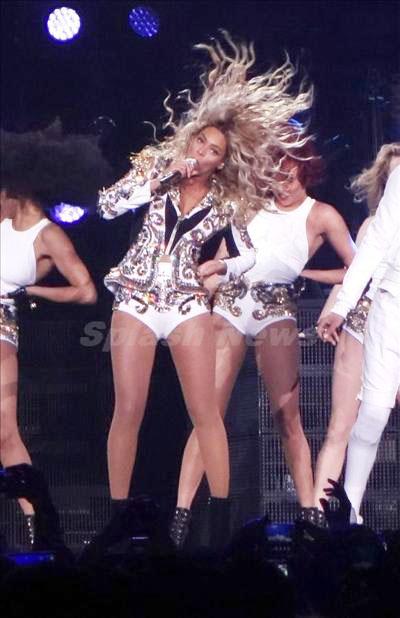 Beyoncé_131229_03