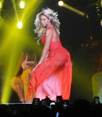 Beyoncé_131229_04