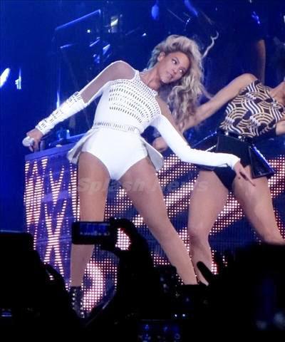 Beyoncé_131229_06