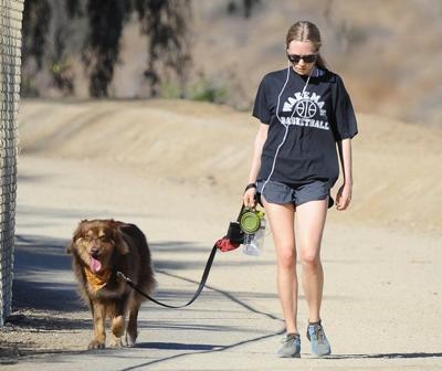 Amanda+Seyfried+Takes+Dog+Finn+Hike+20141027_03.jpg