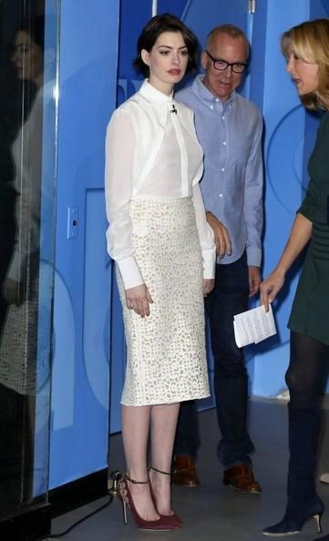 Anne+Hathaway+Visit+Good+Morning+America+20141111_01.jpg