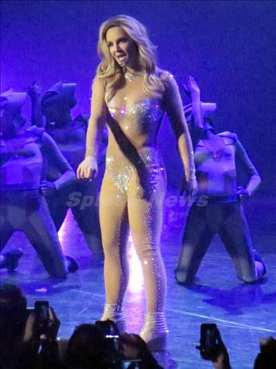 Britney_Spears_140118_07.jpg