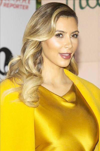 Kim_Kardashian_131229_02.jpg