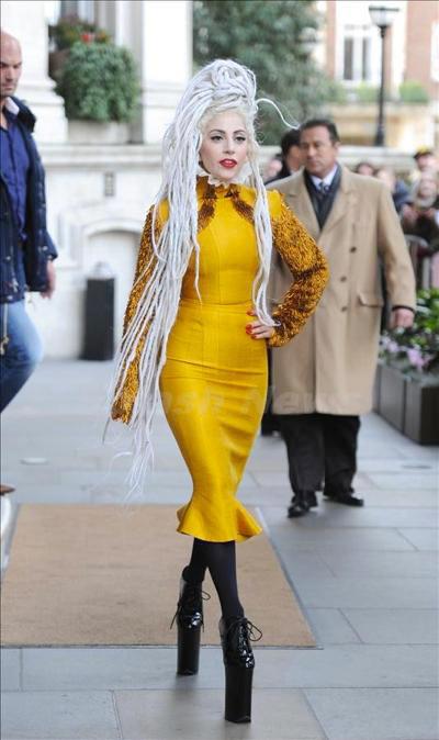 Lady_Gaga_1223_02.jpg