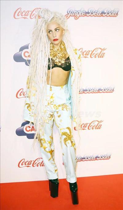 Lady_Gaga_1223_04.jpg