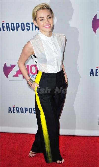 Miley_Cyrus_131229_02.jpg