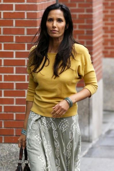 Padma+Lakshmi+Out+NYC+20141027_02.jpg