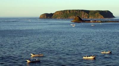 ピリカウタから望む小島・大黒島