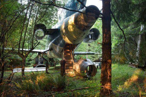 airplane-turned-house-10.jpg