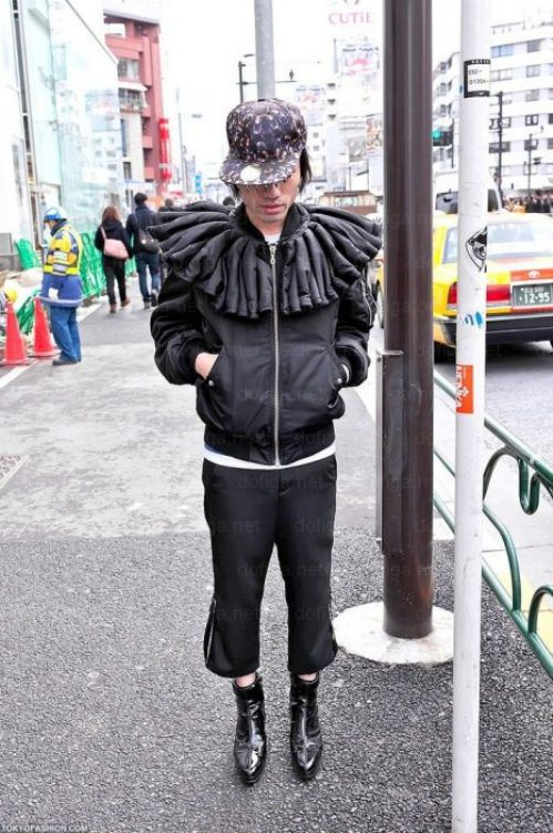 bizarre-japanese-clothing-17.jpg