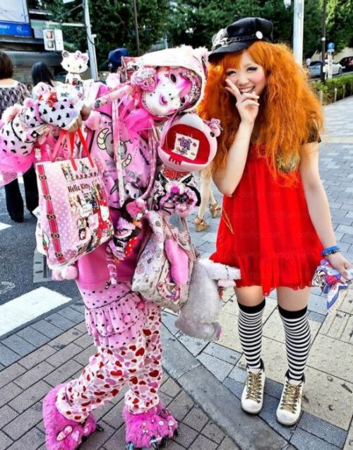 bizarre-japanese-clothing-18.jpg