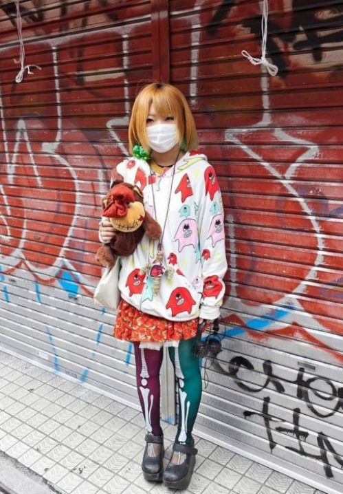 bizarre-japanese-clothing-2.jpg