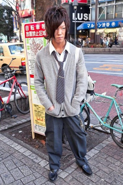 bizarre-japanese-clothing-26.jpg