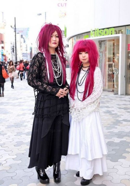 bizarre-japanese-clothing-27.jpg