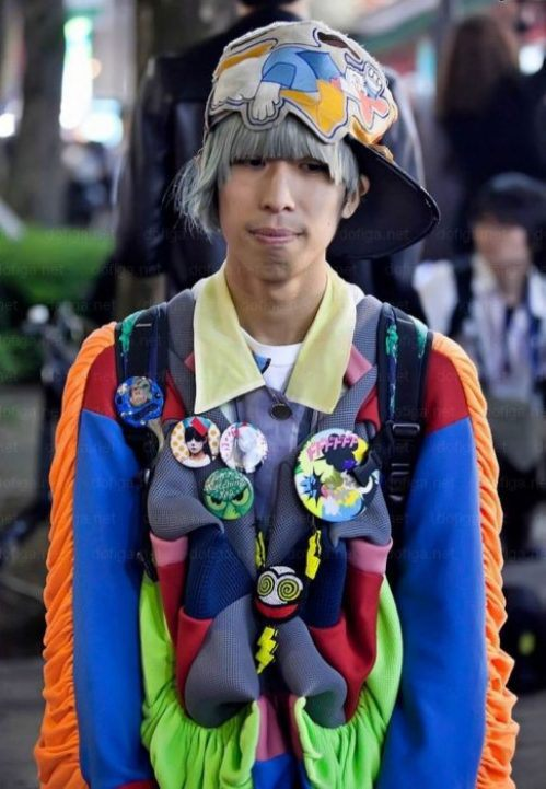 bizarre-japanese-clothing-37.jpg