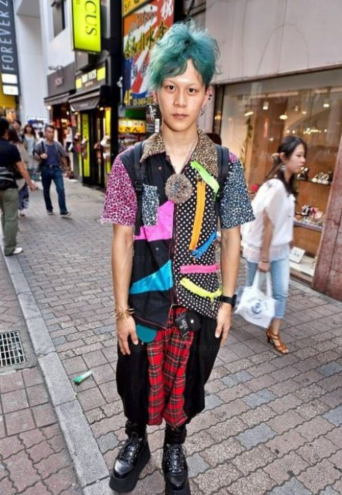 bizarre-japanese-clothing-6.jpg