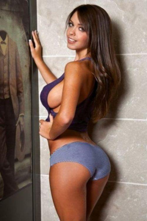 busty-women-girls-22.jpg