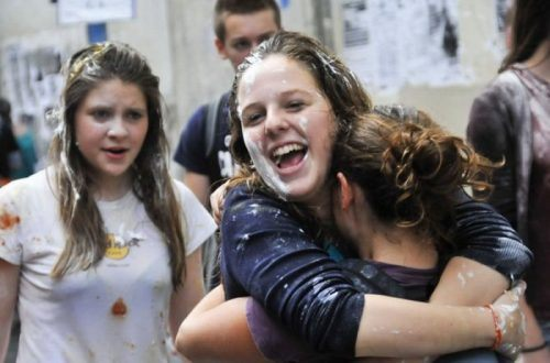 flour-egg-fight-italy-15.jpg