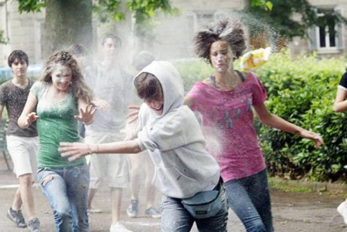 flour-egg-fight-italy-17.jpg